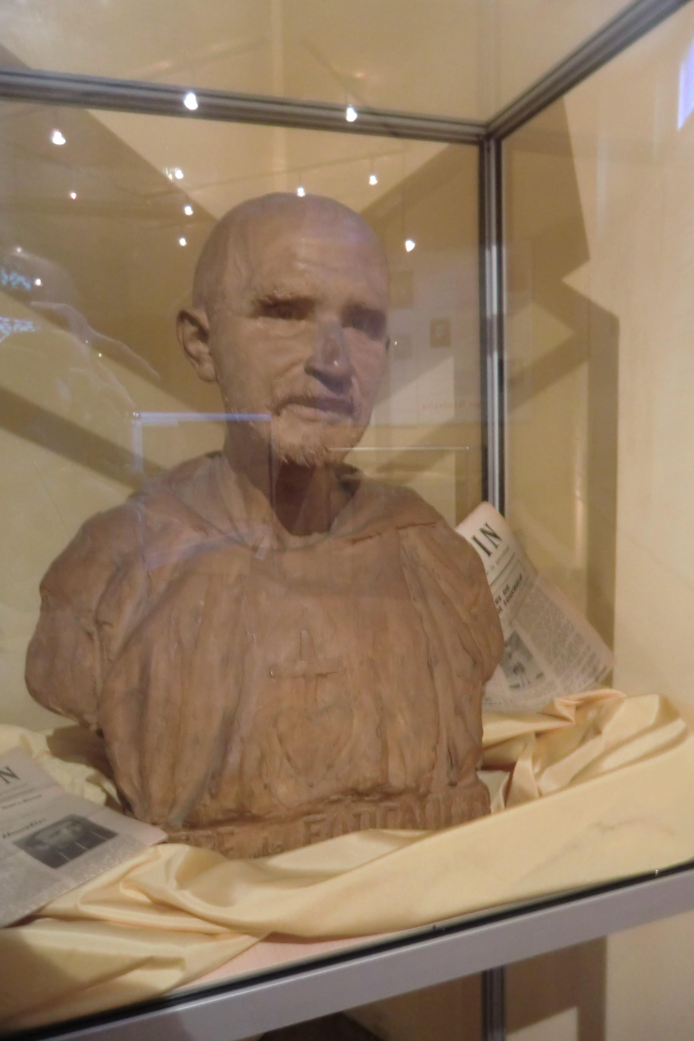 Buste Charles de Foucauld