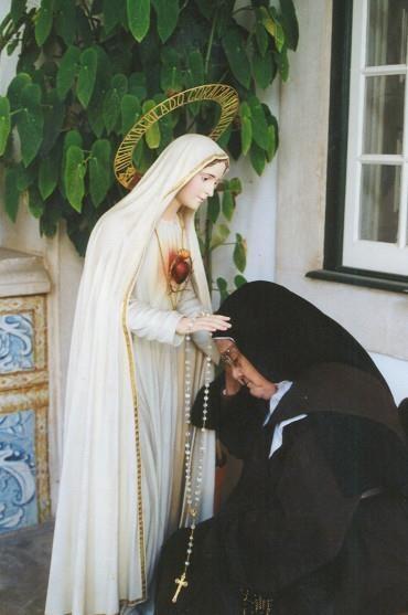 Neuvaine à l'Immaculée Conception - Sainte Lucie aux pieds de l'Immaculée Conception